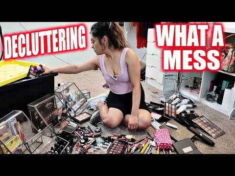 ORGANIZE And DECLUTTER My BEAUTY ROOM! OMG