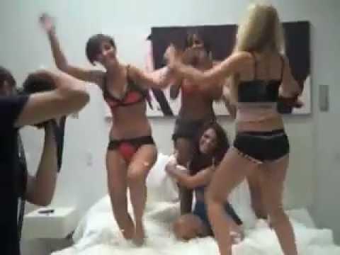 hot sexy girls fighting