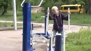 видео: Уличные тренажёры в Хабаровске. нахуя??