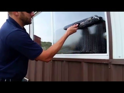 How to clean outside windows uk