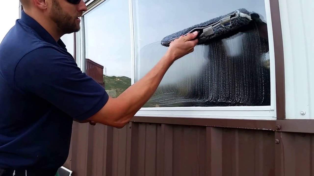 5 STEPS of WINDOW CLEANING - C & C Employee Training