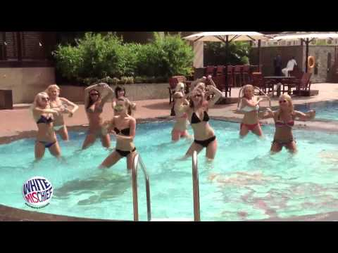 Delhi Cheergirls dancing in the Swimming Pool