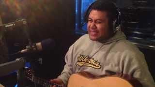 "NiuTube - TJ (Taotua) playing ""What's That Song?"""