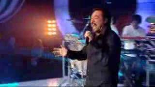 Stoned in Love - Chicane & Tom Jones live on TOTP