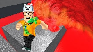 ROBLOX: TRY TO RUN AS FAST AS POSSIBLE FROM THE LAVA TSUNAMI! -Play Old man