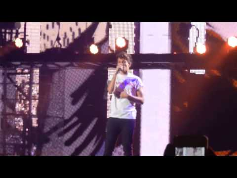 One Direction- HOUSTON, WE HAVE A PROBLEM +Teenage Dirtbag in Houston, TX