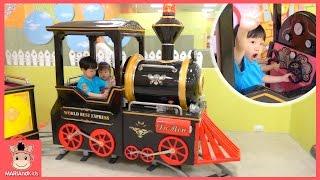 헬로카봇 뽀로로 장난감 친구들 함께 키즈카페 놀이 ♡ 상상노리 미니 간다! 자동차 장난감 비눗방울 놀이 Kids cafe fun toys | 말이야와아이들 MariAndKids