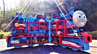 Big Thomas carry case & 17 Mini Cars☆#4 Thomas,Tomica,Disney,Hide and seek!