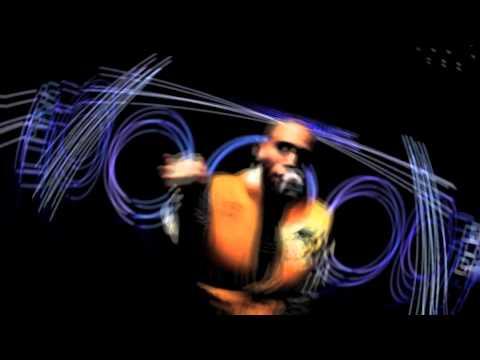 Chris Brown - Niqqas In Paris (Freestyle)