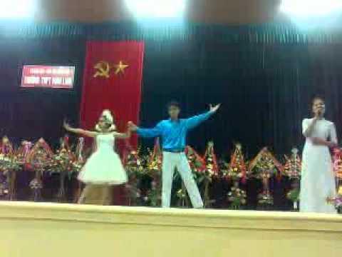 """11A3 -  2012 THPT Vĩnh Linh  Thu Trà - Ngọc Nhân múa """"Tự Nguyện"""""""