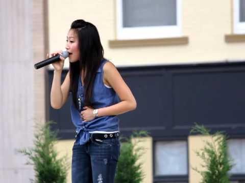 PaKou Lor singing at 400 Block (HRW 2012)
