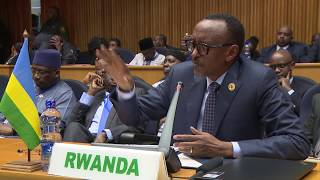 President Kagame delivers his remarks at the Peace and Security Council Summit.