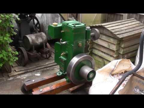 Big Deutz anno 1930, 67 liter diesel start up from YouTube · Duration:  2 minutes 50 seconds