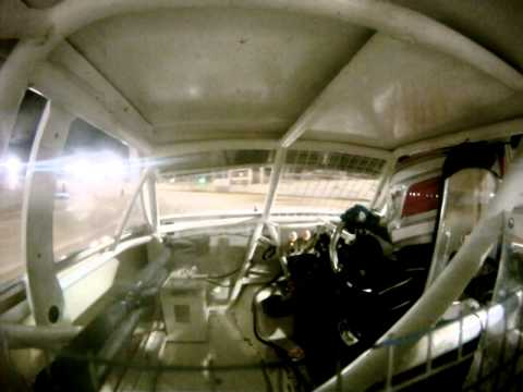andy maxwell JNR #32 at renmark speedway