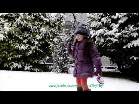 ThyThy chơi tuyết/Feliz Navidad - Camilla ThyThy-Đồng An