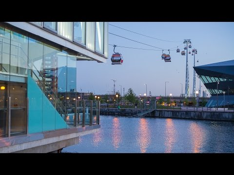 Emirates Cable Car at Sunset Timelapse in 4K