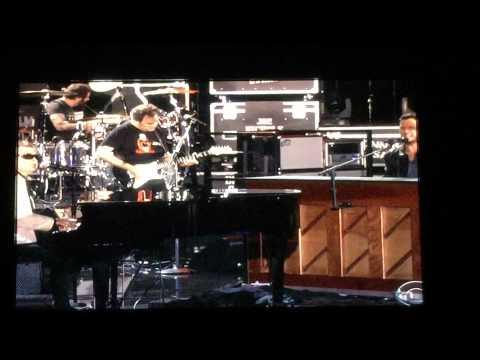 Luke Bryan and Ronnie Milsap Duet: Stranger In My House