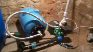 6. Монтаж и запуск насосной станции в подвале.(В этом видео устанавливаю насосную станцию в подвале на фундамент и соединяю ее с бочкой для воды. После..., 2016-08-19T15:07:32.000Z)
