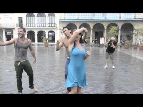 Salsa bajo la lluvia en La Habana