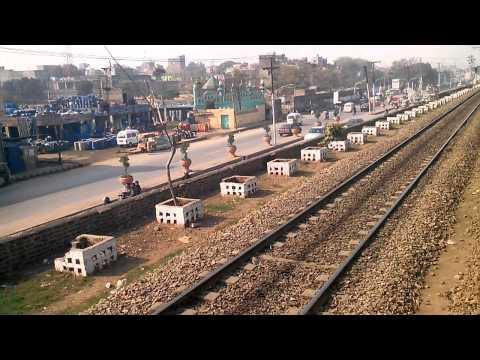 Pakistan Railways 8DN tezgam Entering Lahore Railway Station