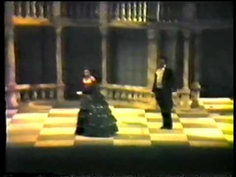 """La traviata: """"Mi chiamaste? ... che bramate?..."""""""