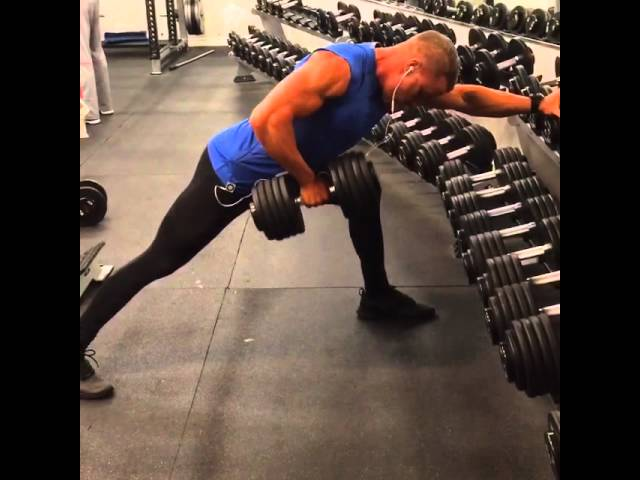 100 lbs dumbbell rows, no straps!