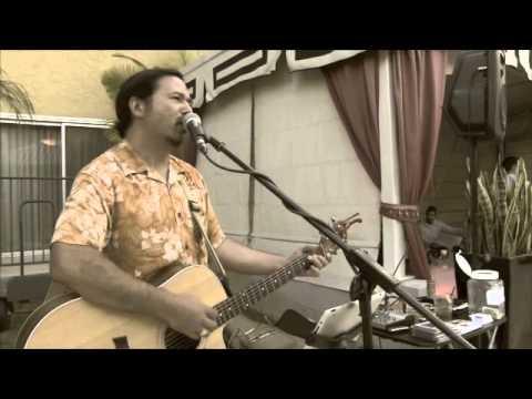 Acoustic Guitar In Orange County - Clif At The Atrium Hotel In Irvine