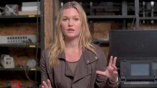jason bourne nicky parsons behind the scenes interview julia stiles