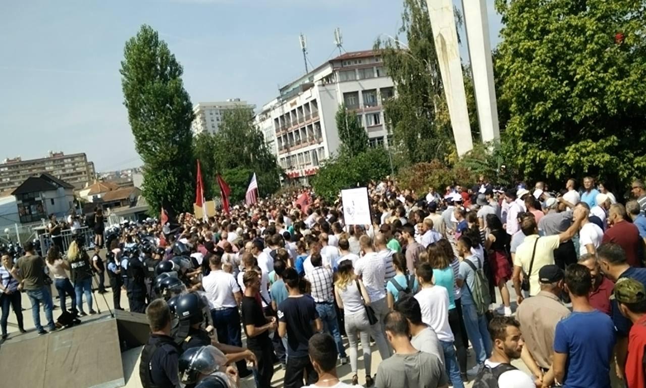 Drejtpërdrejt nga Protesta e Opozitës - Express Live