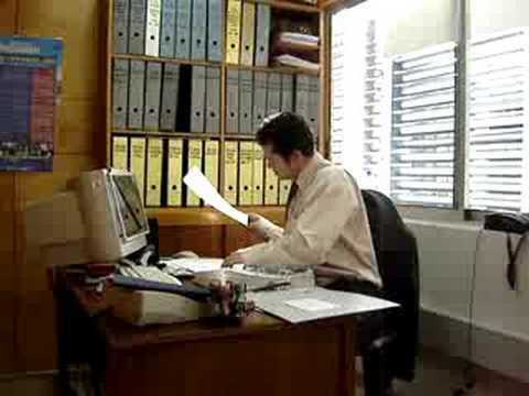 Trabajando en la oficina youtube for Follando en las oficinas