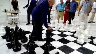 """Первая партия в новом """"Шахматном клубе"""" завершилась ничьей"""