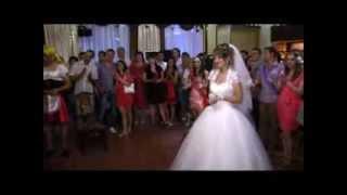 Жених читает реп на свадьбе(под музыку DeeTach)