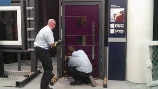 Einbruchschutz: Haustür PaXentrèe vs. 11-Tonnen-Spreizer der Feuerwehr