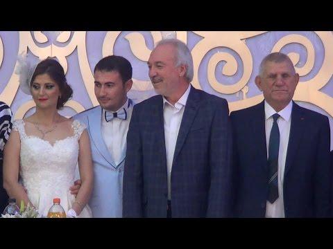 kütahyadaki düğün siyaset iş dünyasini stklari  ve avukatlari bir araya getirdi