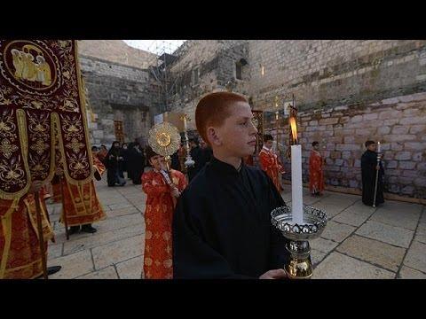 Ortodoks Alemi Noel'i Kutluyor