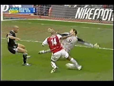 Arsenal V Manchester United 03/04