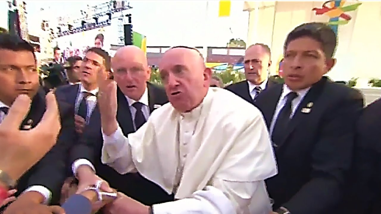 Image result for falso papa francisco enojado
