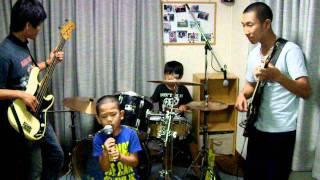 なるみっこ第2段 ドラム 8歳男の子ドラム歴1年 集中力2%ぐらい。足掻...