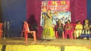 Chand Phir Nikhala by Amina Aman