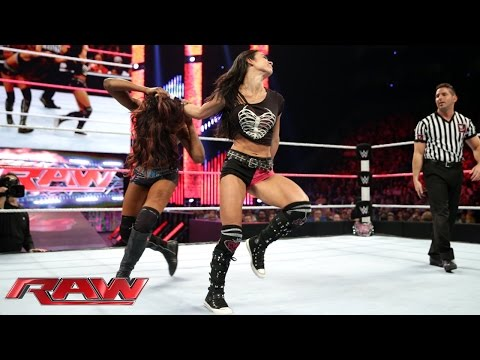 AJ Lee vs. Alicia Fox Raw, Oct. 20, 2014