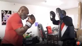 OH MY GOD! MIKE TYSON STILL TERRIFYING ON THE MITTS! THROWS EXPLOSIVE COMBINATIONS!