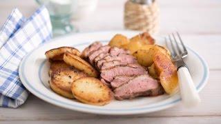 Утиная грудка рецепт.Утиные грудки в перце с картофелем и яблоками