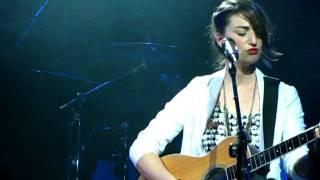 "Sara Bareilles Live in Seoul: ""Basket Case"""