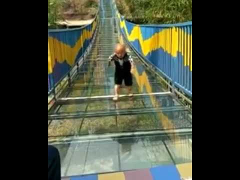 Download Youtube: Glass bridge runner