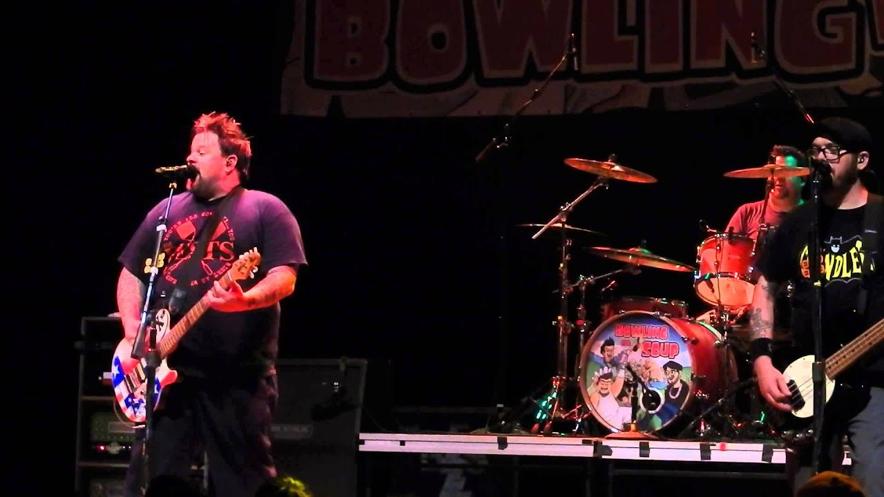 Bowling For Soup - 1985 (Live in Houston) June 2015 - YouTube
