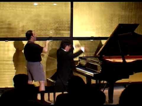 IGUDESMAN & JOO - Rachmaninov had big Hands