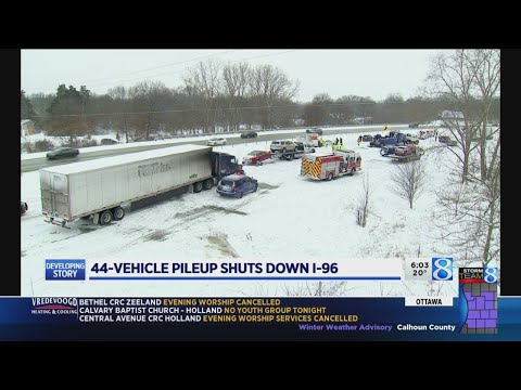 3 hurt in 44-vehicle pileup on I-96 east of GR