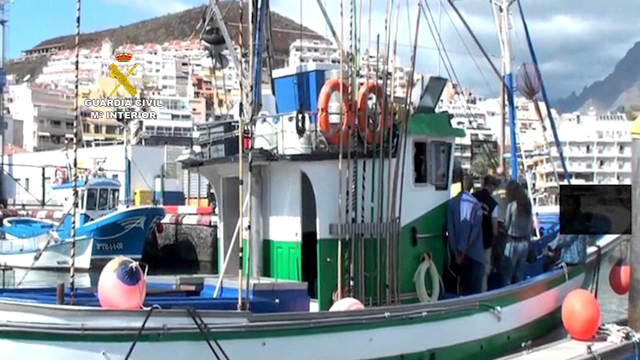 Introduc an hach s en barcos pesqueros marruecos canarias youtube - Tv segunda mano tenerife ...
