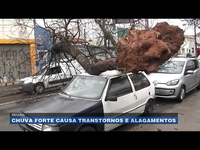 Região: chuva forte causa transtornos e alagamentos