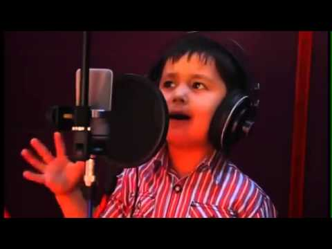 4 years old afghan boy singing a song perfect voice